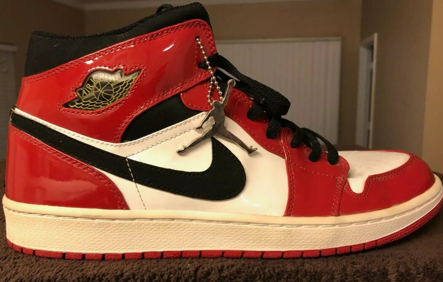 DS 2003 Nike Air Jordan 1 Retro Patent Leather White black-varsity Red