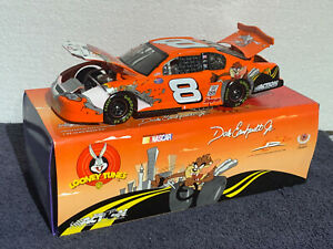 Dale-Earnhardt-JR-8-Looney-Tunes-2002-Monte-Carlo-1-24-NEW-1-8508-Ltd-Edit