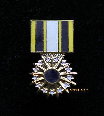 Distinguished Service Medal DSM HAT LAPEL PIN UP US AIR FORCE VETERAN GIFT USAF