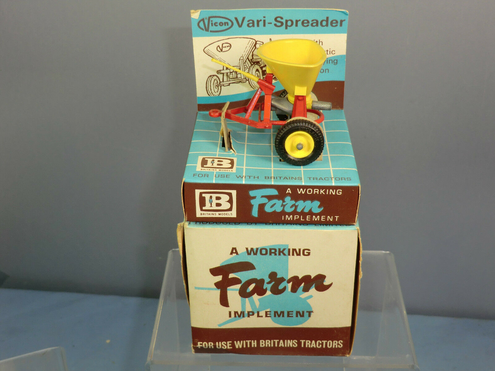 VINTAGE BRITAINS MODEL MODEL MODEL No.9538 VICON VARI-SPREADER Mk11  MIB 0fee89