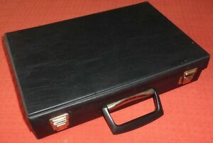 BLACK-AUDIO-CASSETTE-TAPE-STORAGE-BOX-CARRY-CASE-FOR-32-TAPES