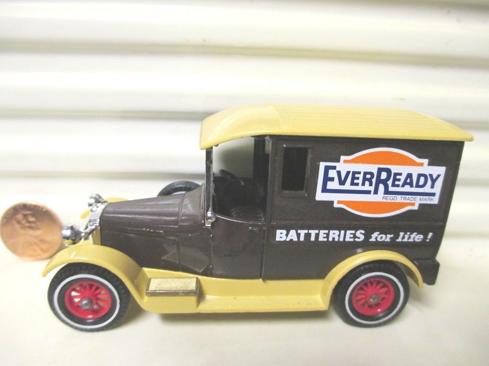 LESNEY MATCHBOX 1983 models of yesteryear Y5 EVERREADY marron 1927 TALBOT VAN C 9