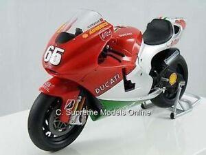 DUCATI-Desmosedici-Loris-Capirossi-Moto-Modello-1-12TH-VERSIONE-STAND-V6