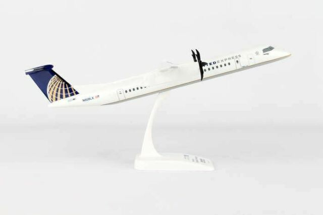 Skymarks SKR797 United Express Dash 8 Q400 Desk Top Display Model 1//100 Airplane