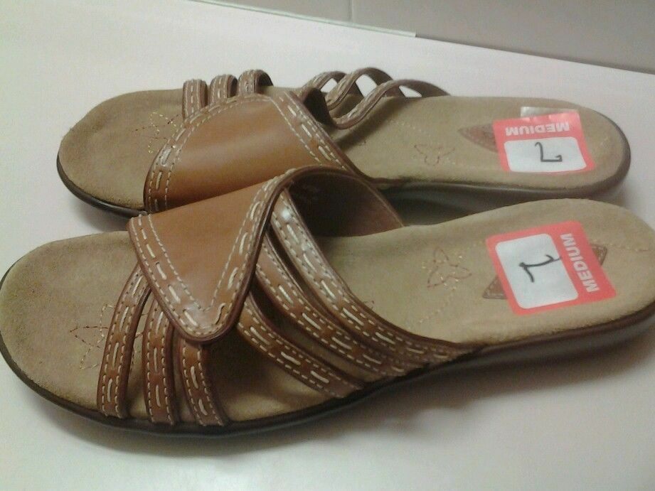 Women's Beige Slide On Shoes from Clarks Sz 7M