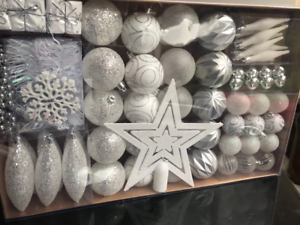Christmas-Tree-Glitter-Decoration-60-P-Set-Silver-amp-White-Baubles-Beads-amp-Star