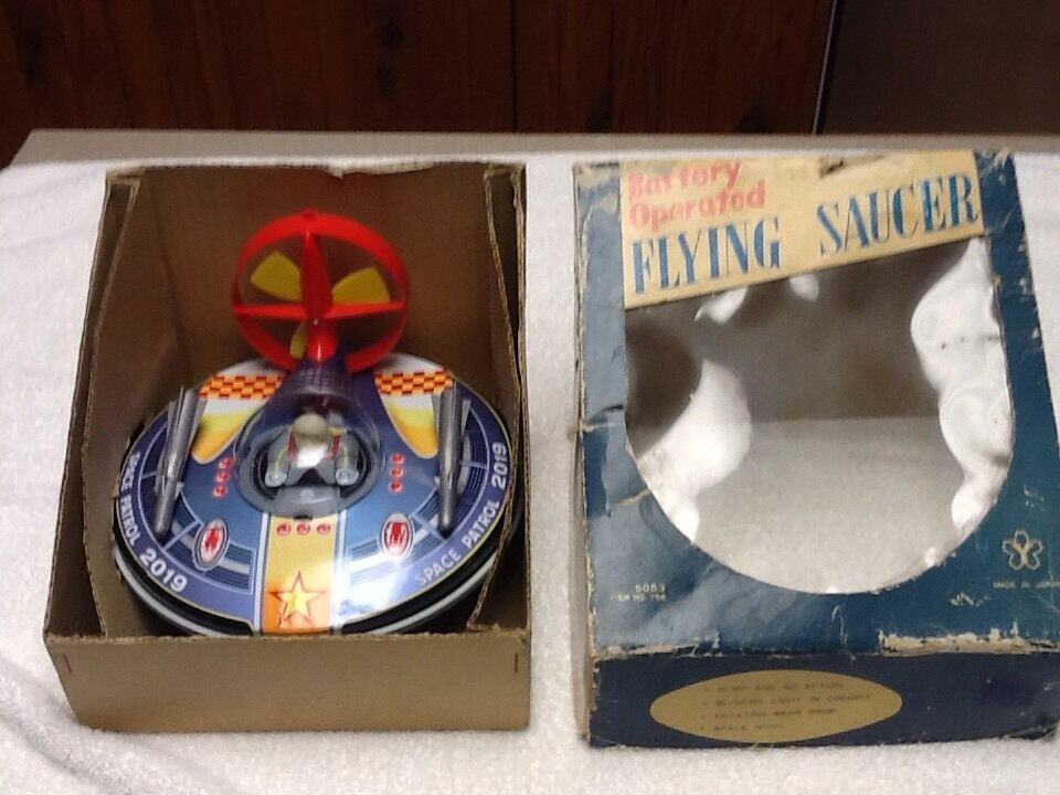 1960's Battery Battery Battery Operated Bump & Go Flying Saucer 2019 Made In Japan 0d5fdd
