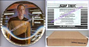 "/""Starfleet Hand Weapon Familiarization HANDBOOK/"" TOS thru TMP 1980/'s MINT!"