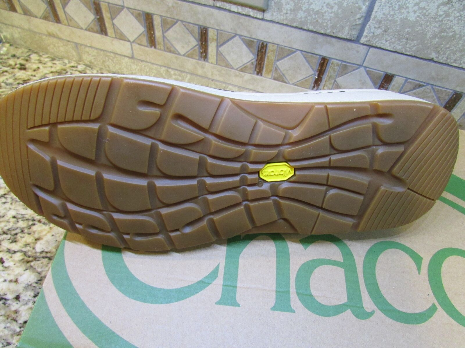 NEW CHACO LEATHER SLIP ON LOAFER Damenschuhe Schuhe Damenschuhe LOAFER 6.5 SHITAKE ZAAGH VIBRAM GUNNISON 0e4261