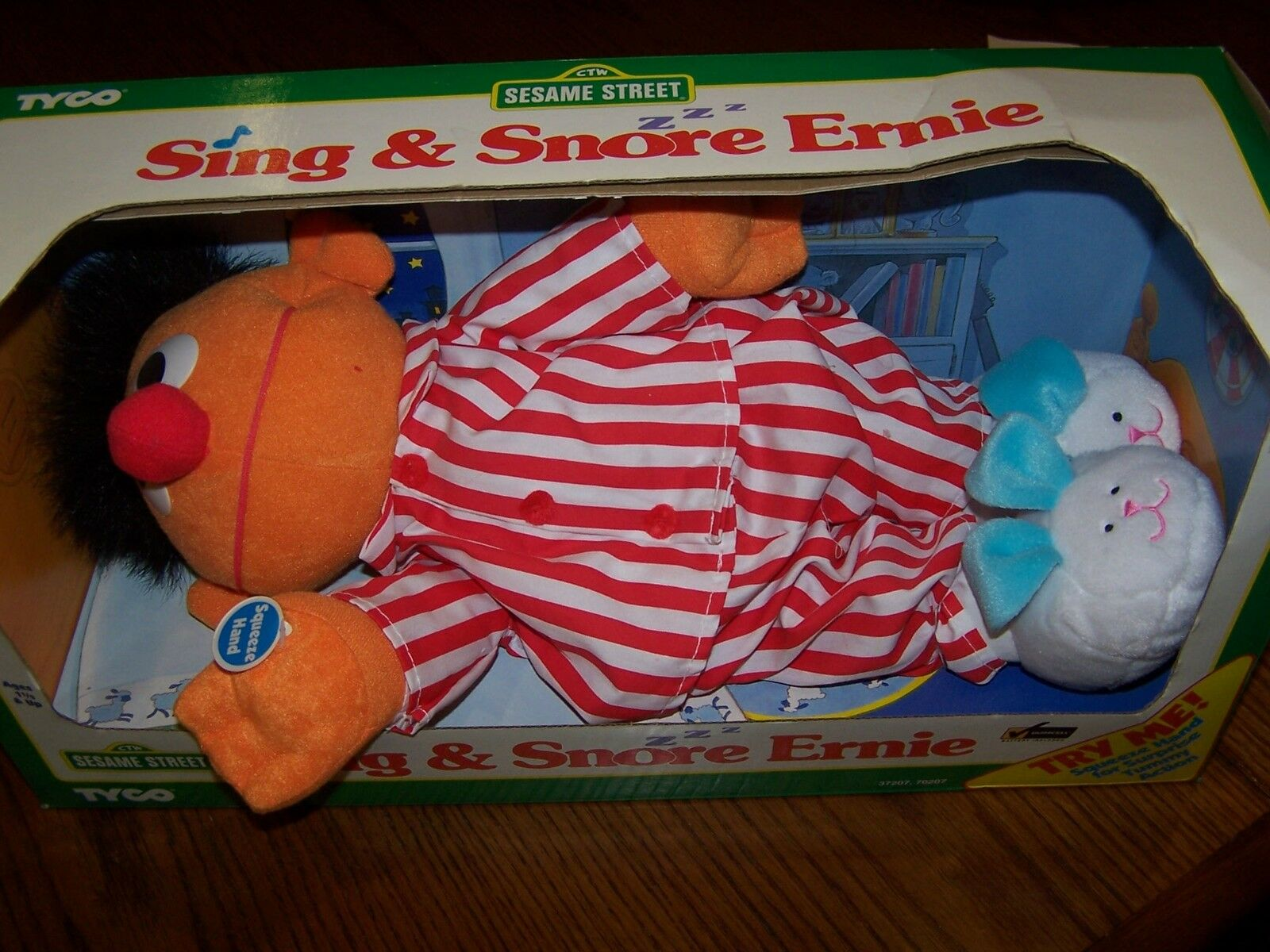 NEW IN BOX Vintage TYCO 1996 Sing and Snore ERNIE Sesame Street Collector Item