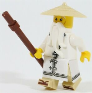 Lego-Ninjago-Movie-Master-Sensei-Wu-figurine-amp-Staff-NEUF-ORIGINE