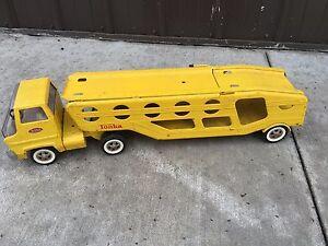 BS7-Vintage-1960-039-s-Tonka-Car-Carrier-Hauler-Yellow-Pressed-Metal-Toy-Mound-Minn