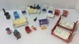 Playmobil-Doll-House-Figures-amp-Furniture-Lot-32-Pieces-People-Beds-Kitchen-Items
