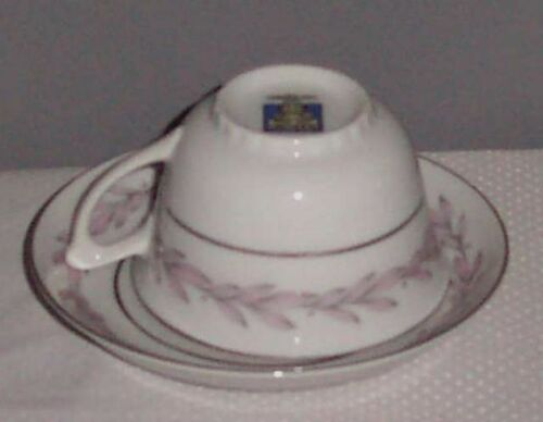 Miramar by Narumi Pink Gray Leaf Footed Cup /& Saucer