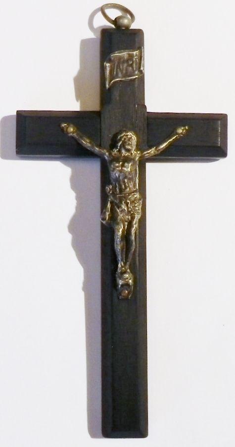 Pendentif bijou ancien vintage grande croix crucifix bois métal  5052