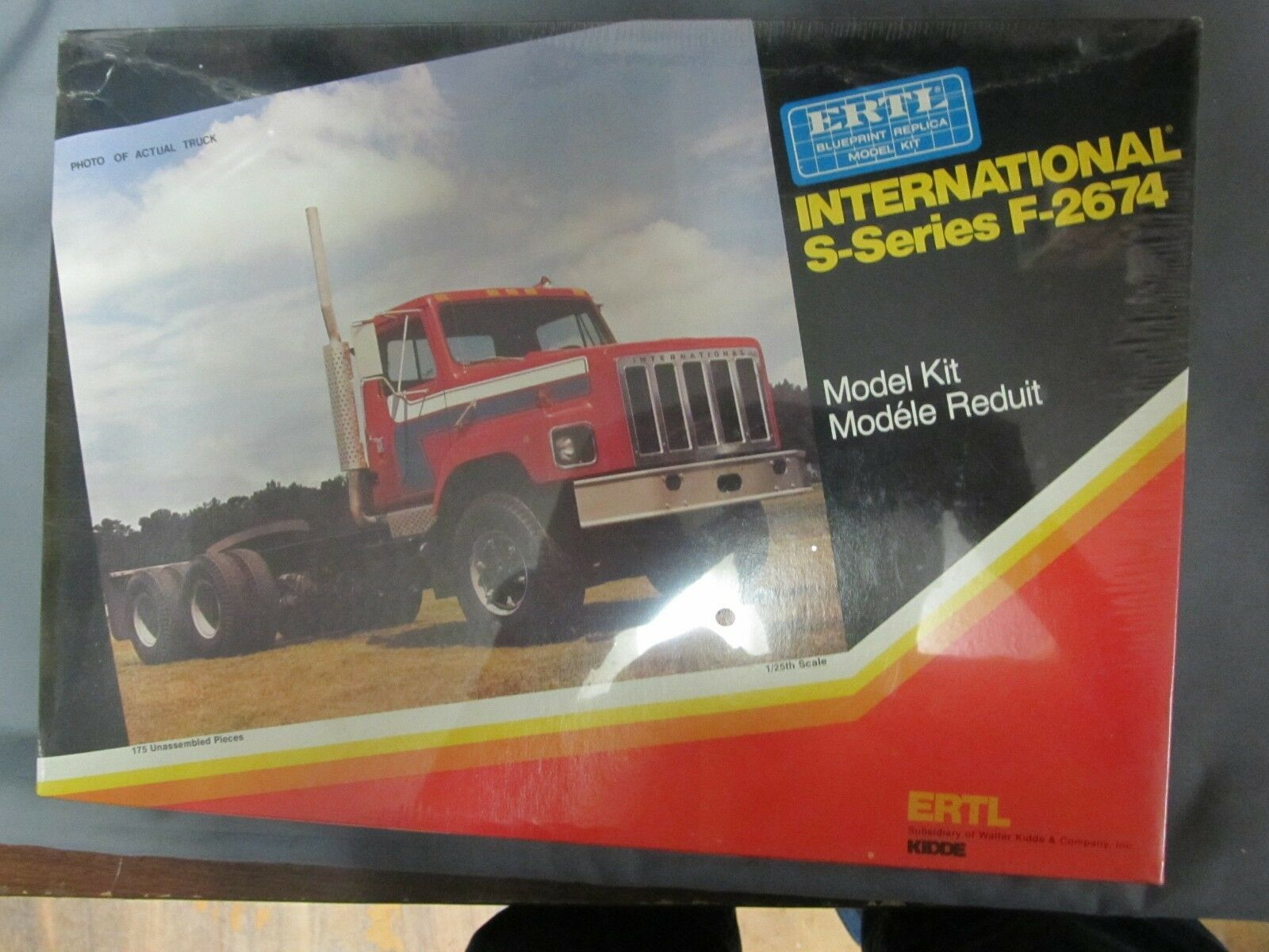 Ertl International S-Series F-2674.  1 25th scale.  Sealed.