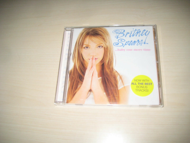 CD. Britney Spears: Baby One More Time, pop, fra 1999.