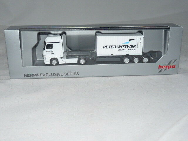 Herpa 932578 Special Model MB Actros Gigaspace with 20ft. Container on 40ft. C....