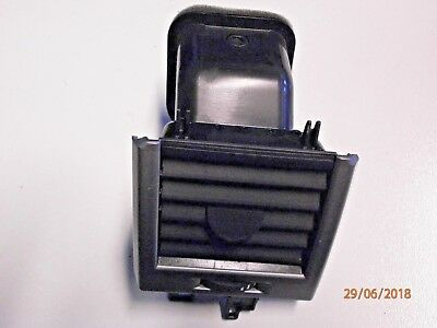 JBD00022PUY 2002-2005 RANGE ROVER L322 CENTER AIR VENT WITH HAZARD WARNING
