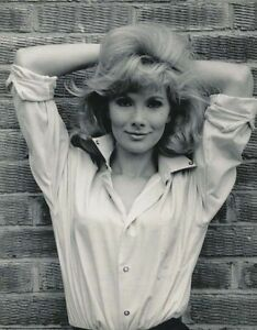 Susan Hampshire UNSIGNED photograph - H4225 - NEW photo donated to ...