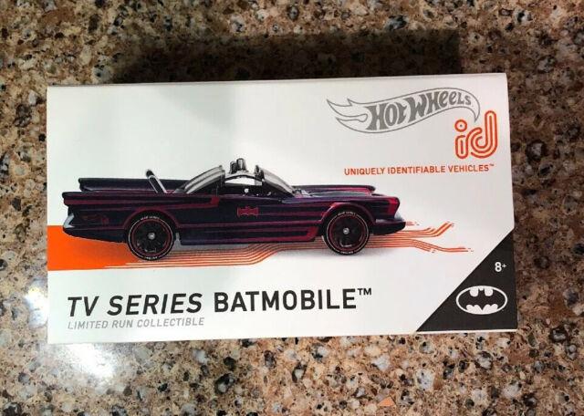 Hot Wheels 2019-Justice League Batmobile-Batman 66-nuevo en caja original