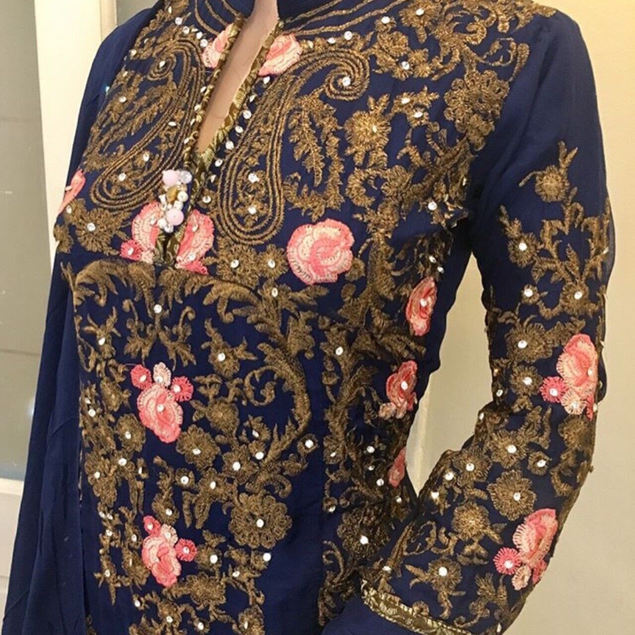 Rafia Inspired Navy bluee Embroidered Dress Shalwaar Kameez Size Small BNWT Golu