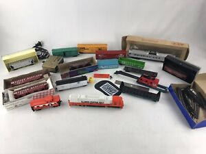 HO-Scale-Lot-Of-Random-Tyco-trains-Santa-fe-Illinois-Western-Maryland-ATT