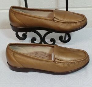 66258168471 Women s SAS Tripad SHOES Size 7.5M Comfort Gold Bronze Loafers USA ...