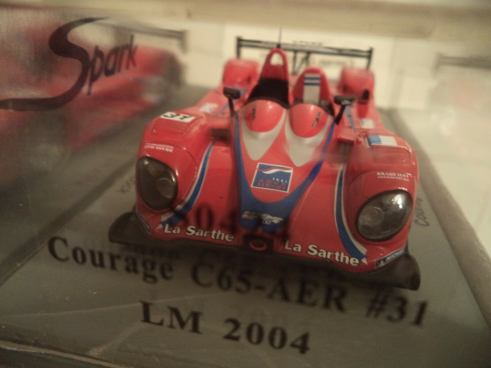SPARK COURAGE C65 AER AER AER N 31 LEMANS 2004 A. FREI-J.M.   1 43RD SCALE    IN  BOX. 94d003