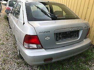 Hyundai Accent 1,5 GLS Benzin modelår 2000 km 101000