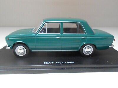 1969 Seat 124 L 1:24 Salvat Diecast model car Miniature Auto E005