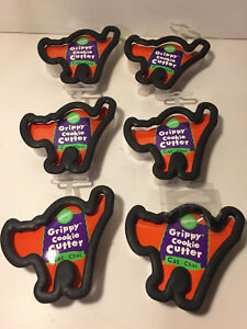 6-GRIPPY-CATS-HALLOWEEN-COOKIE-CUTTERS