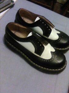 vintage doc dr martens england 3989 black/white platform