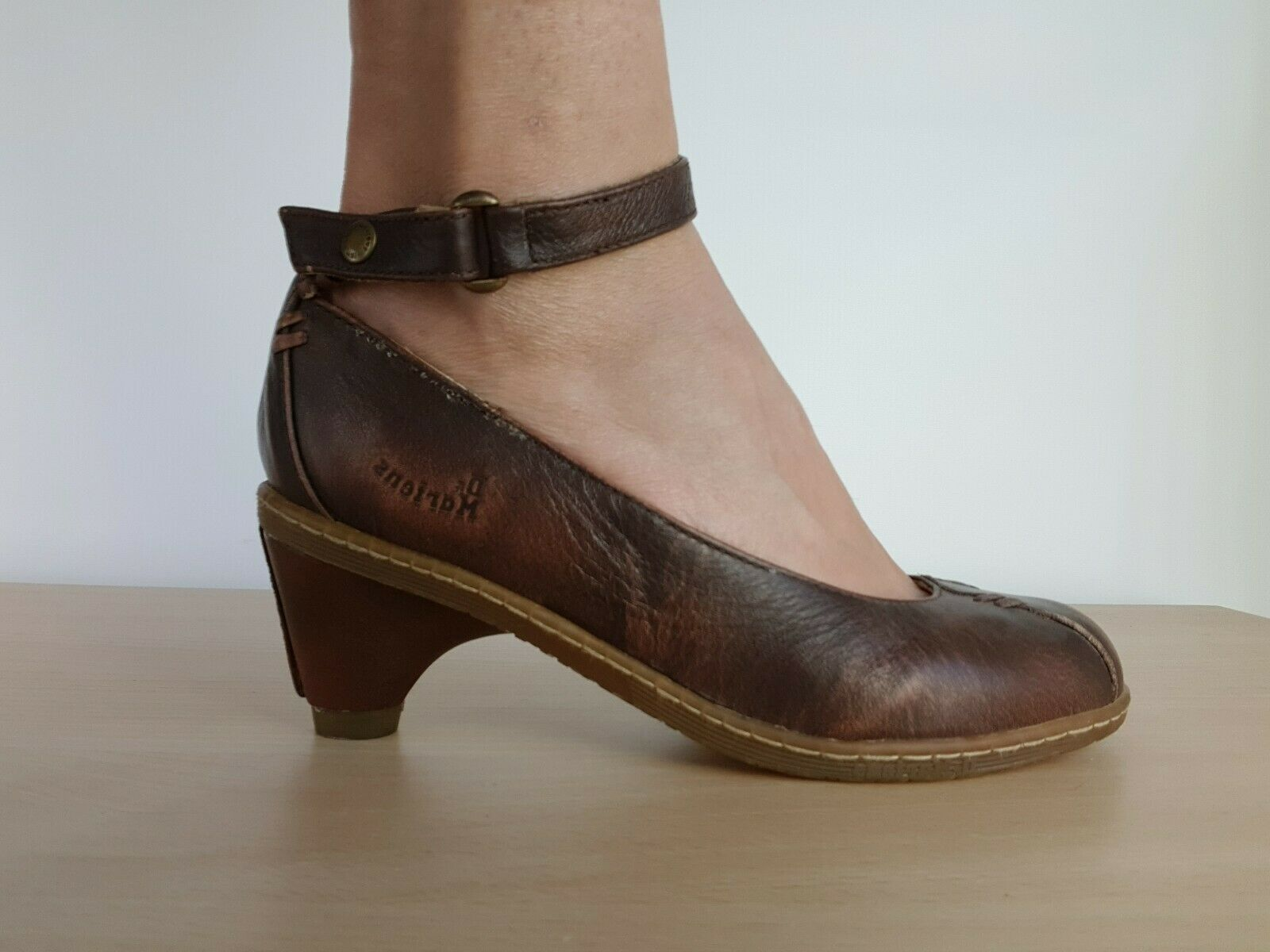 Classic pumps.   Festliche abendmode, Schuhe damen und Luxus