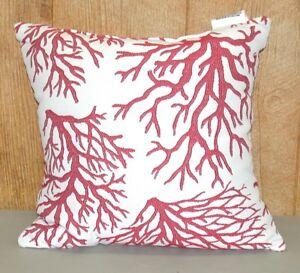 1 Outdoor Patio Throw Pillow Grandin Road Coral 16 5 X 16 5 X 7