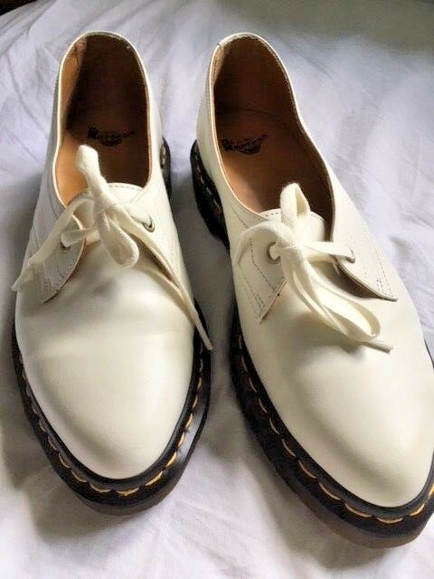 Dr without Martens Siano brand new without Dr box cream size 8 26fdb0