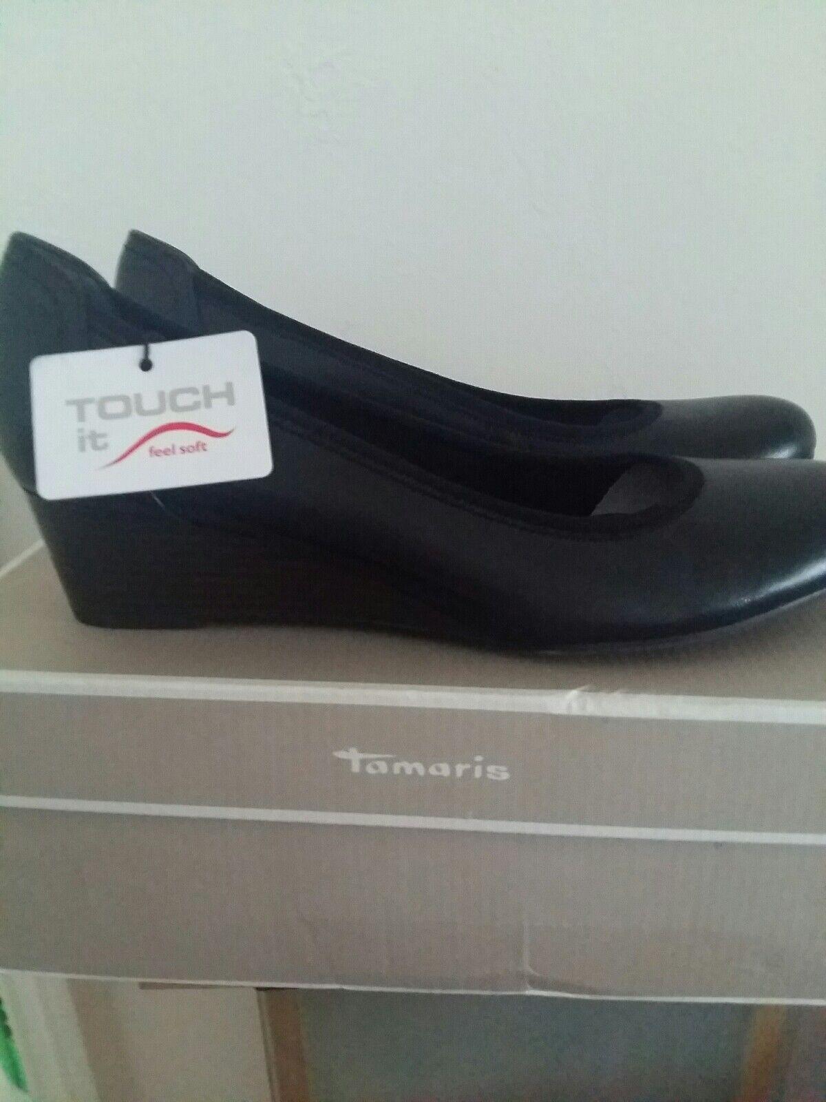 Tamaris 22330 black size 7.5 uk.