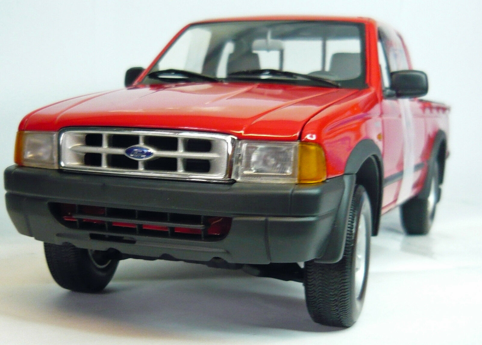 Action Performance Performance Performance AC8 089100 Ford Ranger 2000, 1 18, NEU&OVP a93106