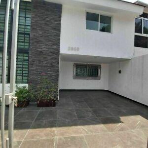 Casa remodelada en venta en loma bonita