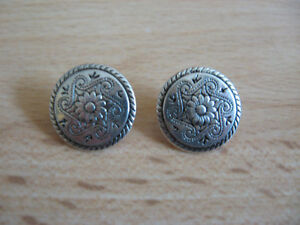 Metal buttons x5 silver tonepewter colour buttons sewing crafts dressmaking - <span itemprop=availableAtOrFrom>Fareham, United Kingdom</span> - Metal buttons x5 silver tonepewter colour buttons sewing crafts dressmaking - Fareham, United Kingdom