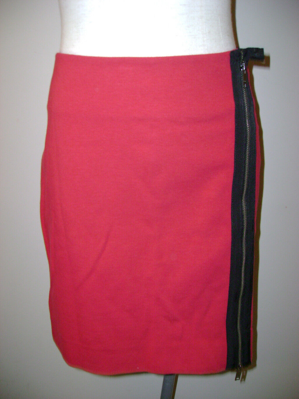 DKNY Short Red Skirt w  Visible Seam Zipper 10 NWT