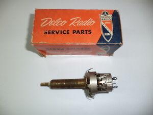 1953-1954-CHEVROLET-amp-GMC-TRUCK-NOS-RADIO-ON-OFF-VOLUME-TONE-CONTROL-GM-7264210