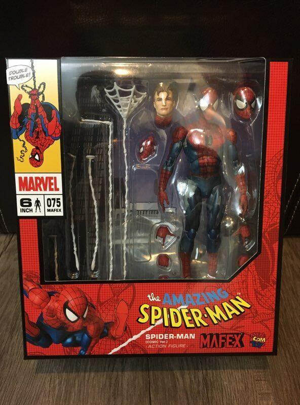 MAFEX Spiderhomme Comic Version US  Vendeur  magasin d'usine
