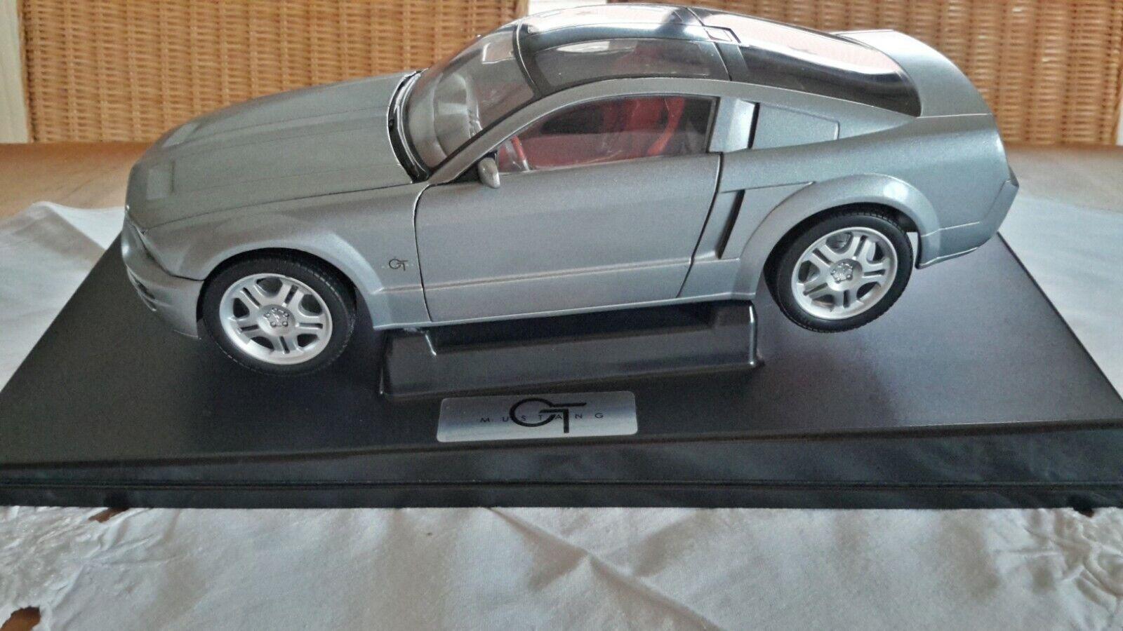 BEANSTALK  Ford  Mustang  GT  (grau-met.) 1 18 mit Verpackung  RARITÄT