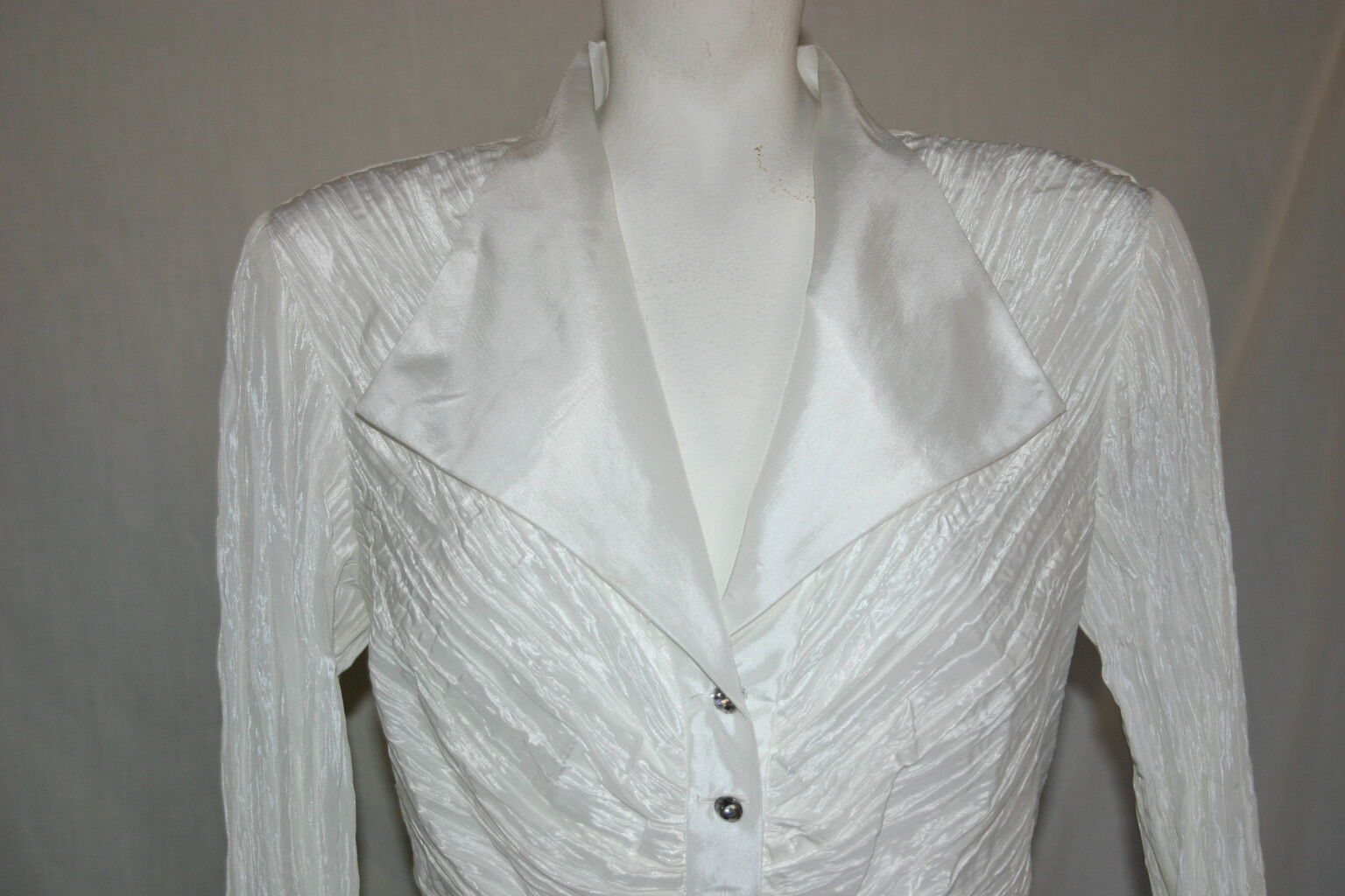 Cachet Women's Blouse White Size 8 Dress Occasion Fancy Faux Diamond Buttons