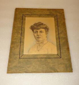 Dessin Portrait Femme Au Crayon Gris Et Couleur Signature A