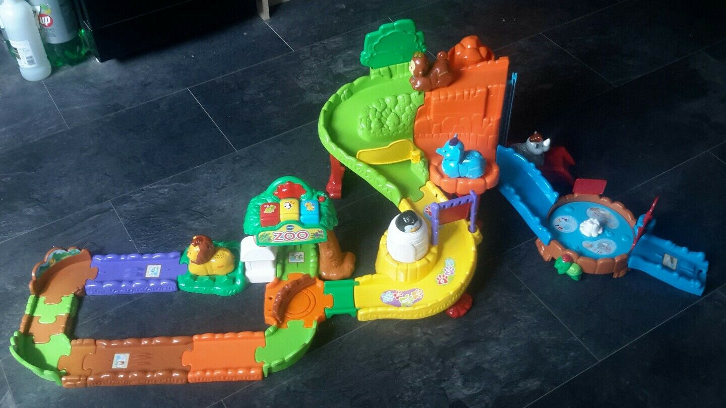 VTECH Toot Toot Zoo With 4  Interactive  Animals Free Post