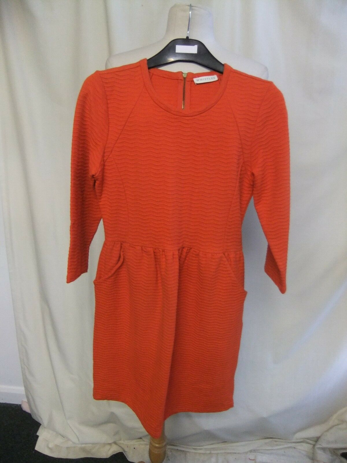 Ladies Dress Whistles bright red textured cotton, US 8, stretch 1369