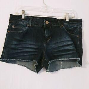 Forever-21-size-30-Denim-Jean-Shorts-Frayed-Cut-off-Dark-Wash-Low-Rise