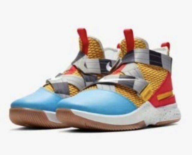 new style 0c11b f1f84 Nike Lebron Soldier XII 12 Flyease Size 10 Toy Story Woody Ed Av6372 700